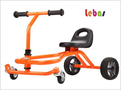 转动部位采用自行车碗头结构,确保车子转动灵活平稳,降低噪音,经久