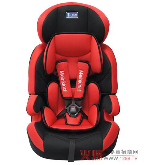 麦凯儿童安全座椅的特殊结构设计使得在紧急制动时安