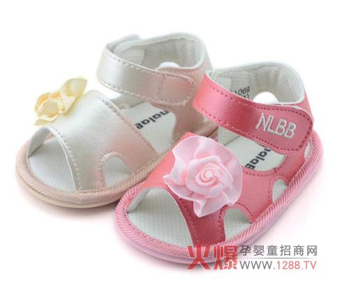 娜拉宝贝婴儿鞋符合人体力学 宝宝穿着更舒适