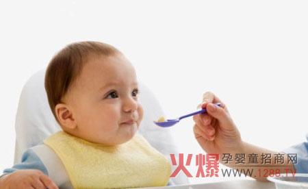 可爱小孩吃全身都是米饭头像