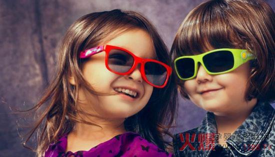 太阳镜可以有效保护我们的视力,儿童太阳眼镜看起来都非常可爱,但是