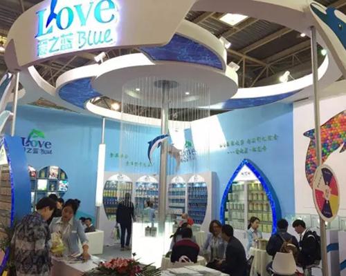 爱之蓝亮相京正北京展 华丽展馆引关注人潮涌动签约不断