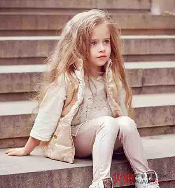 中国童装市场火热 但也要分析童装市场的发展前景