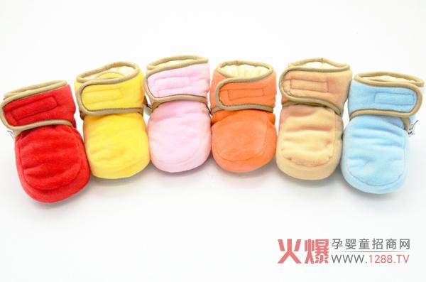 为什么宝妈们唯独青睐爱婴童鞋子系列产品?