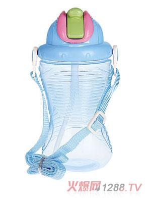 贝乐嘉蓝色带盖婴儿环保水壶